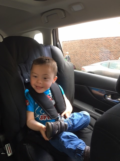 SPECIAL CAR SEAT FOR A LITTLE BOY